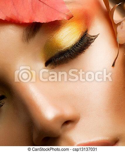 charakteryzacja, closeup, profesjonalny, makeup., upadek, jesień - csp13137031