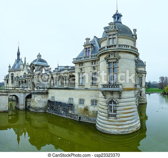 Chateau de Chantilly (France). - csp23323370
