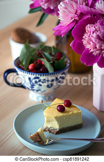 cheesecake on a plate - csp81891242
