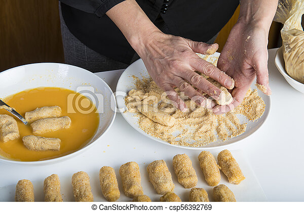 chef cuistot, croquettes, préparer, cuisine - csp56392769