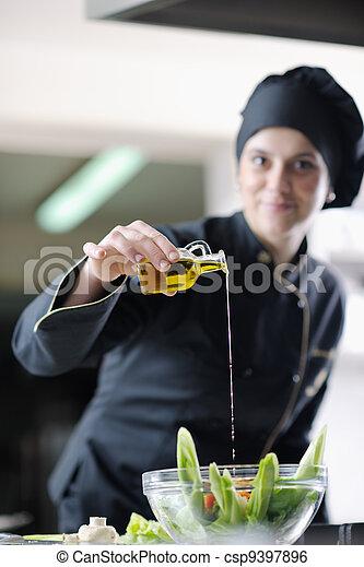 Chef preparando la comida - csp9397896