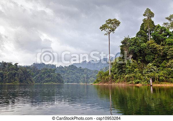 Cheow Lan lake. Khao Sok National Park. Thailand. - csp10953284