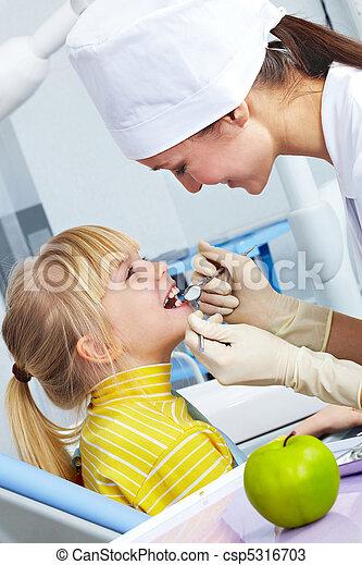 Comprobación dental - csp5316703