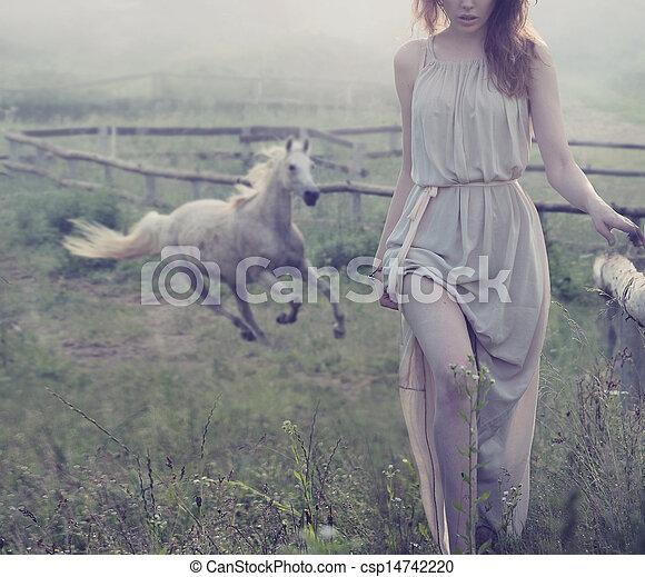 cheval, brunette, poser, délicat, fond - csp14742220