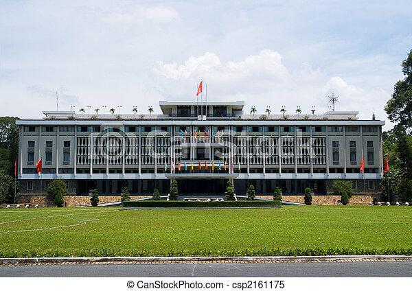 El palacio de reubicación en Ho Chi Minh - csp2161175