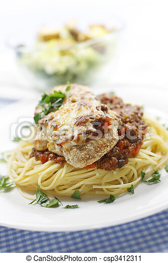 chicken and spaghetti meal - csp3412311