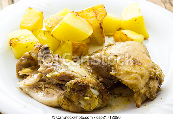 Chicken with potatoes - csp21712096