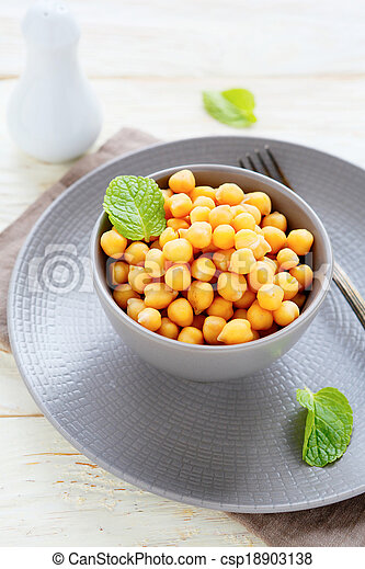 chickpeas in a bowl - csp18903138