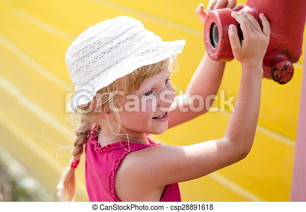 child in playground - csp28891618