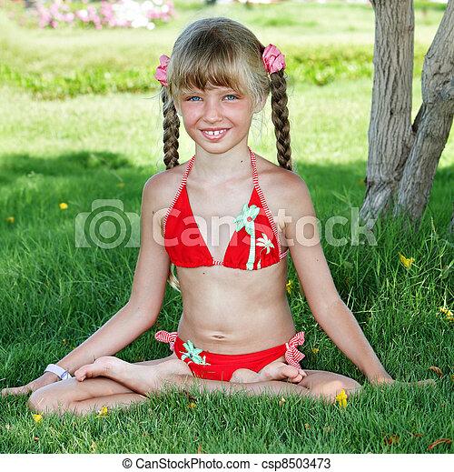 Child Outdoor Do Yoga Little Girl Outdoor Do Yoga Stock