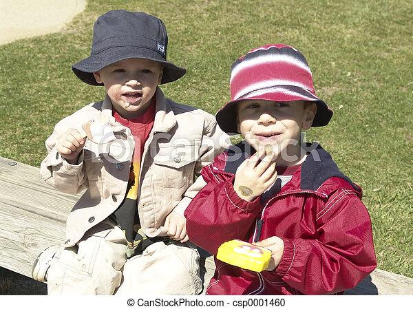 Children Eating Ice - csp0001460