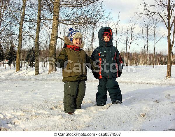 children. winter. - csp0574567