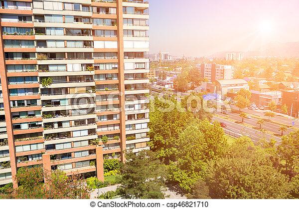 Vista al barrio rico de Santiago, Chile - csp46821710
