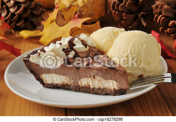 Chocolate cream pie - csp16278298