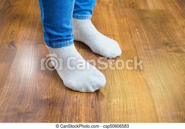 0926fec5 chodząc, kobieta, dżinsy, skarpety, feet, spodnie