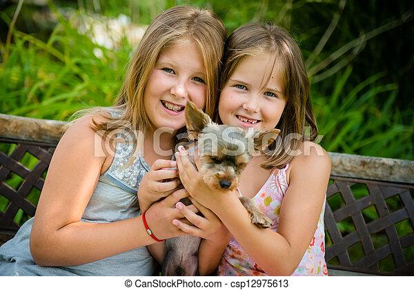 chouchou, leur, enfants, heureux - csp12975613