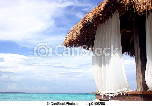 La cabaña de la playa - csp0106280