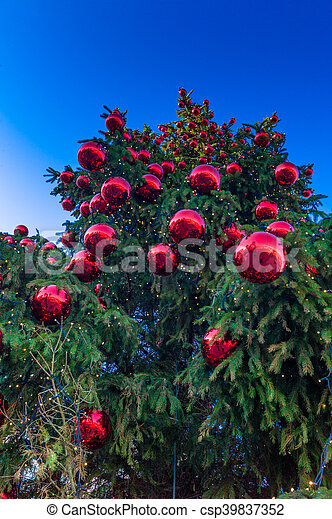 Christmas balls on tree - csp39837352