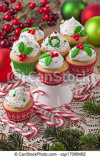 Christmas cup cakes  - csp17098482
