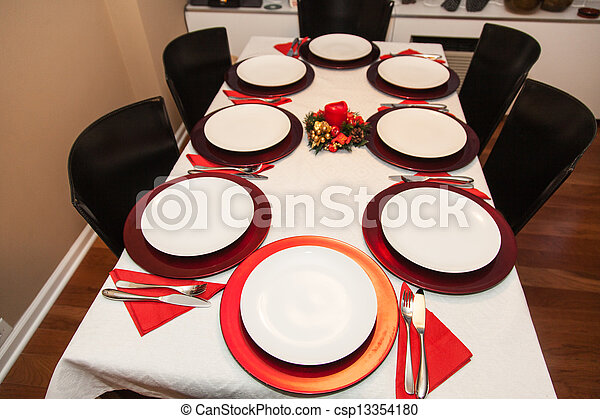 simple decorated christmas dinner table for eight people - Simple Christmas Dinner