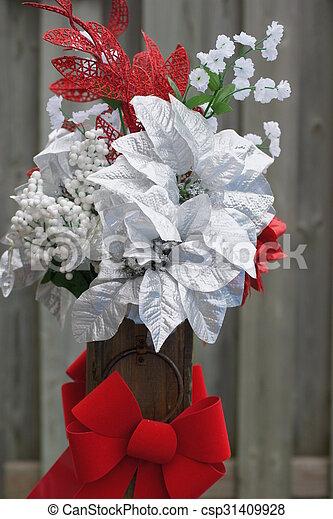 Christmas Flower Arrangements White.Christmas Floral Arrangement