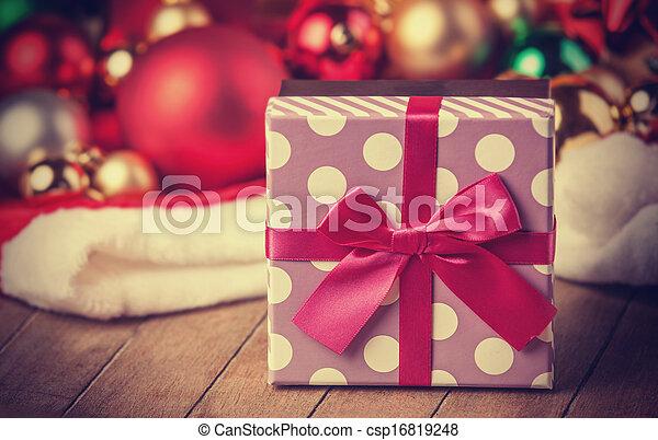 Christmas gifts. - csp16819248