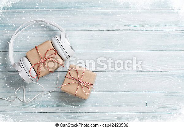 Christmas music gifts - csp42420536