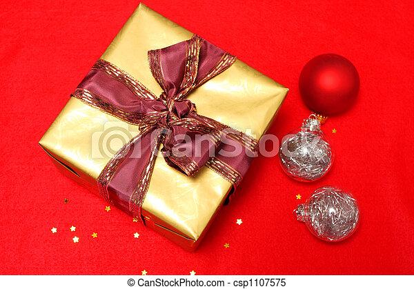 christmas spirit - csp1107575