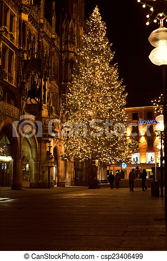 Christmas In Munich Germany.Christmas Tree At Night With Lights Marienplatz In Munich Ger