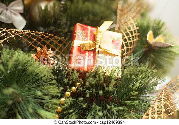 Christmas tree with gift box - csp12489394