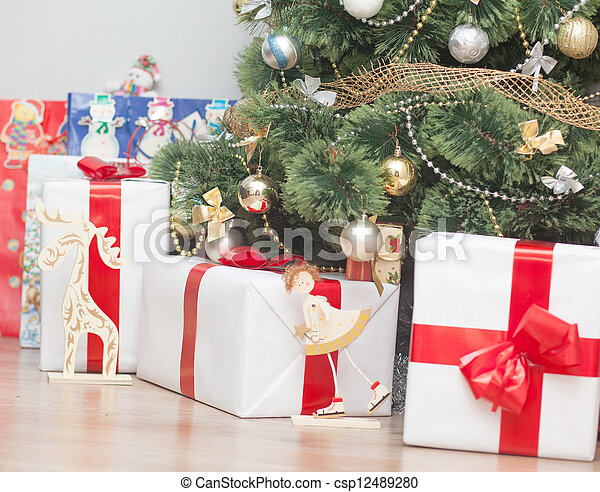 Christmas tree with gift boxes - csp12489280