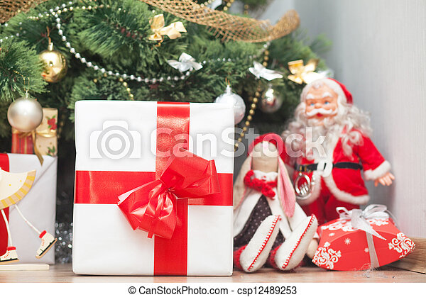 Christmas tree with gift boxes - csp12489253