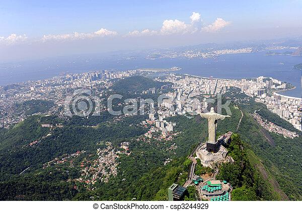 Christlicher Erlöser und Sugarloaf in Rio de Janeiro - csp3244929