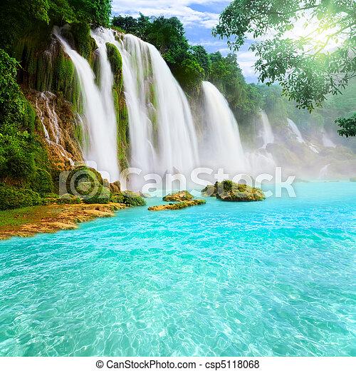 chute eau, detian - csp5118068