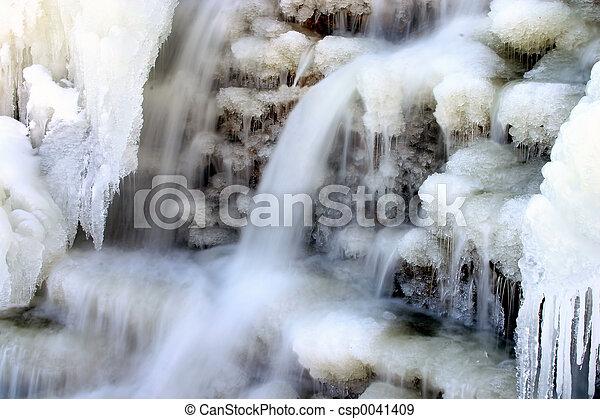 chute eau, hiver - csp0041409