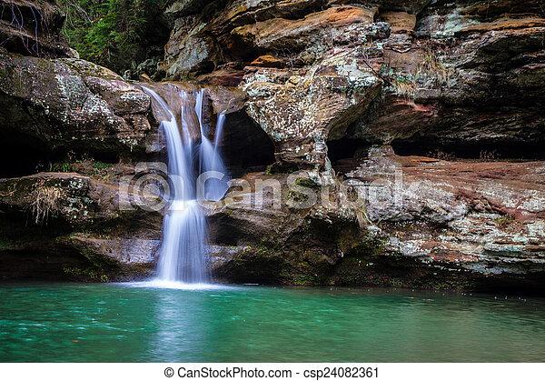 chute eau, paisible - csp24082361