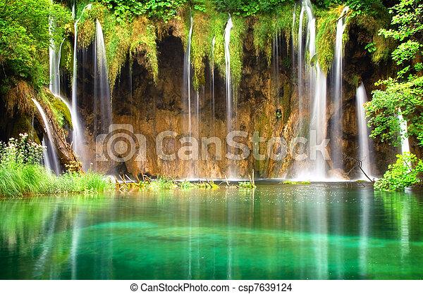 chute eau - csp7639124