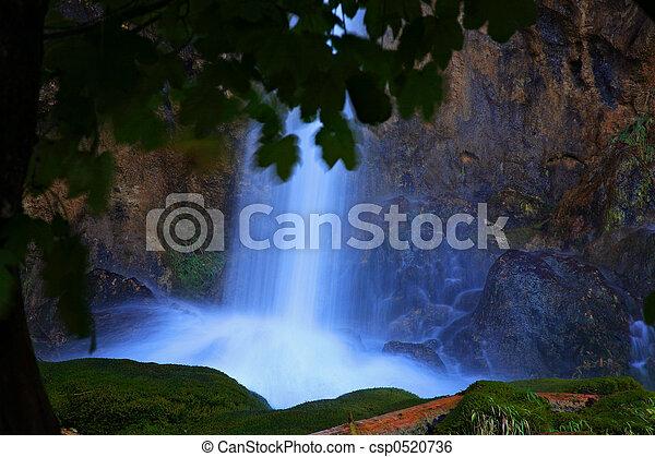 chutes d'eau - csp0520736