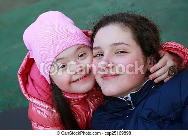 chwile, rodzina, szczęśliwy - csp25169898