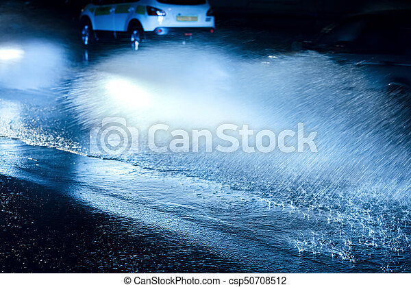 ciężki, napędowy, wozy, woda, plamy, wóz, wheels., rain. - csp50708512