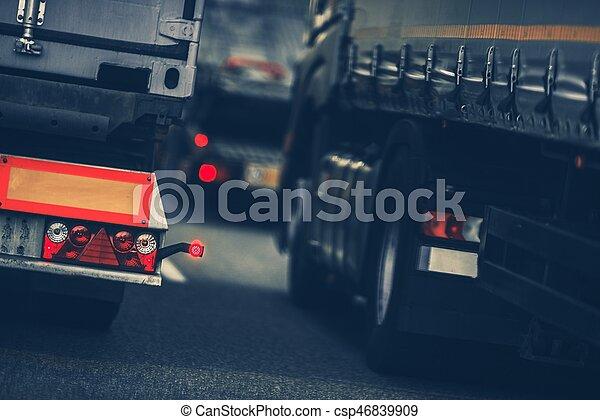 ciężkie kupczenie, ciężarówki - csp46839909