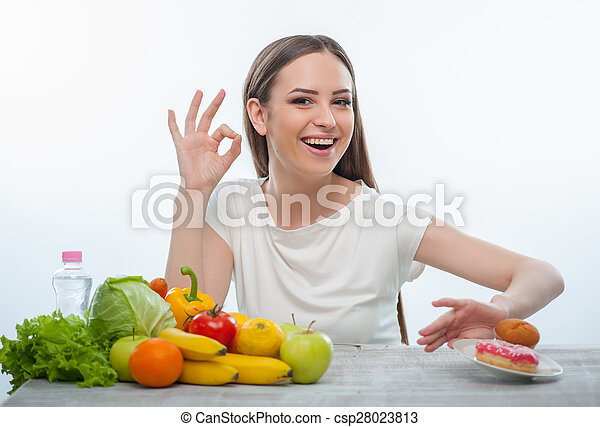 cibo malsano, rifiutare, giovane, bella ragazza, mangiare - csp28023813