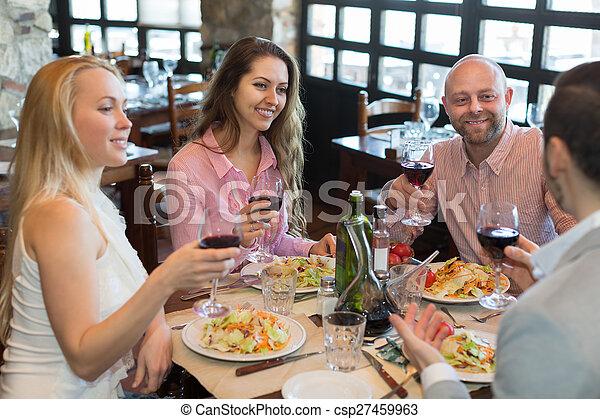cibo, taverna, godere, giovani persone - csp27459963