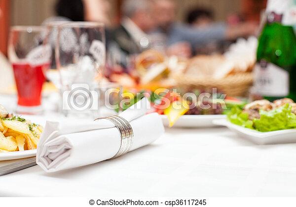 cibo, tavola - csp36117245