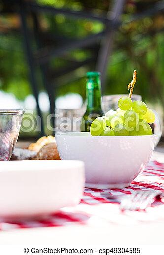 cibo, tavola, picnic, bibite - csp49304585