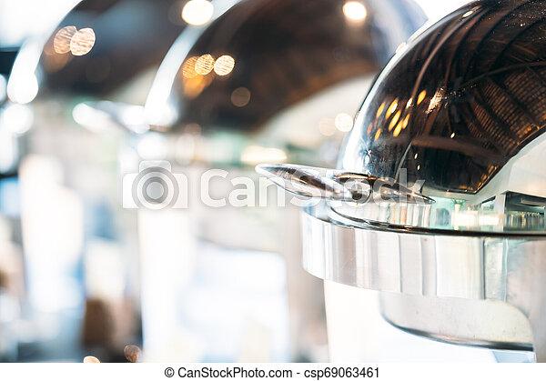 Cierra el catering del buffet - csp69063461