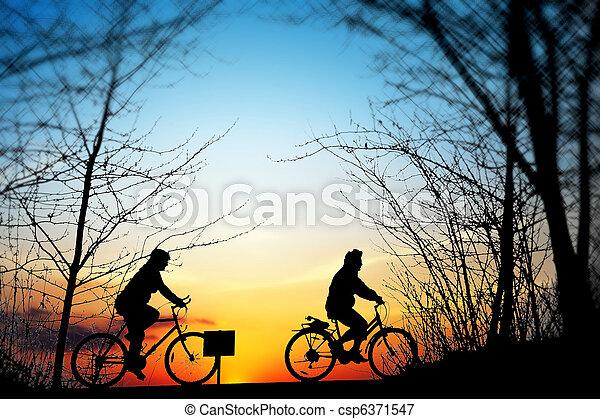 ciclismo, pôr do sol, viagem - csp6371547