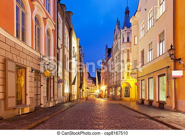 cidade, noite, antigas, estónia, tallinn, rua - csp8167510