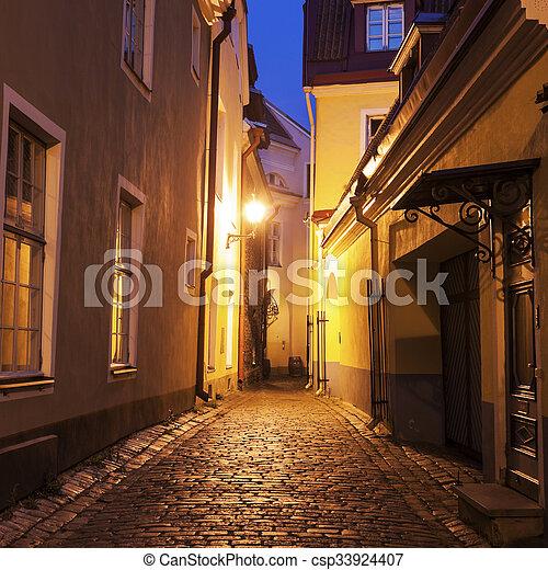 cidade, tallin, ruas, antigas - csp33924407