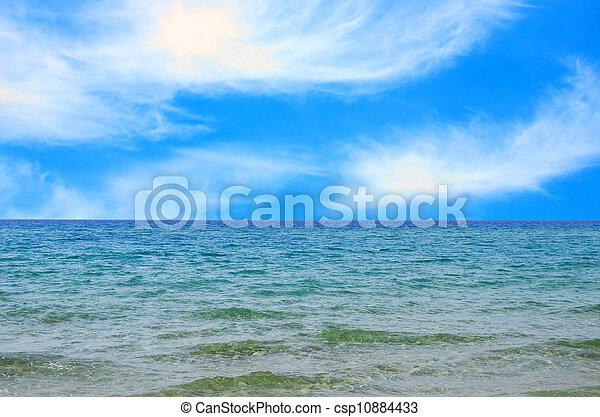 Mar azul y cielo - csp10884433